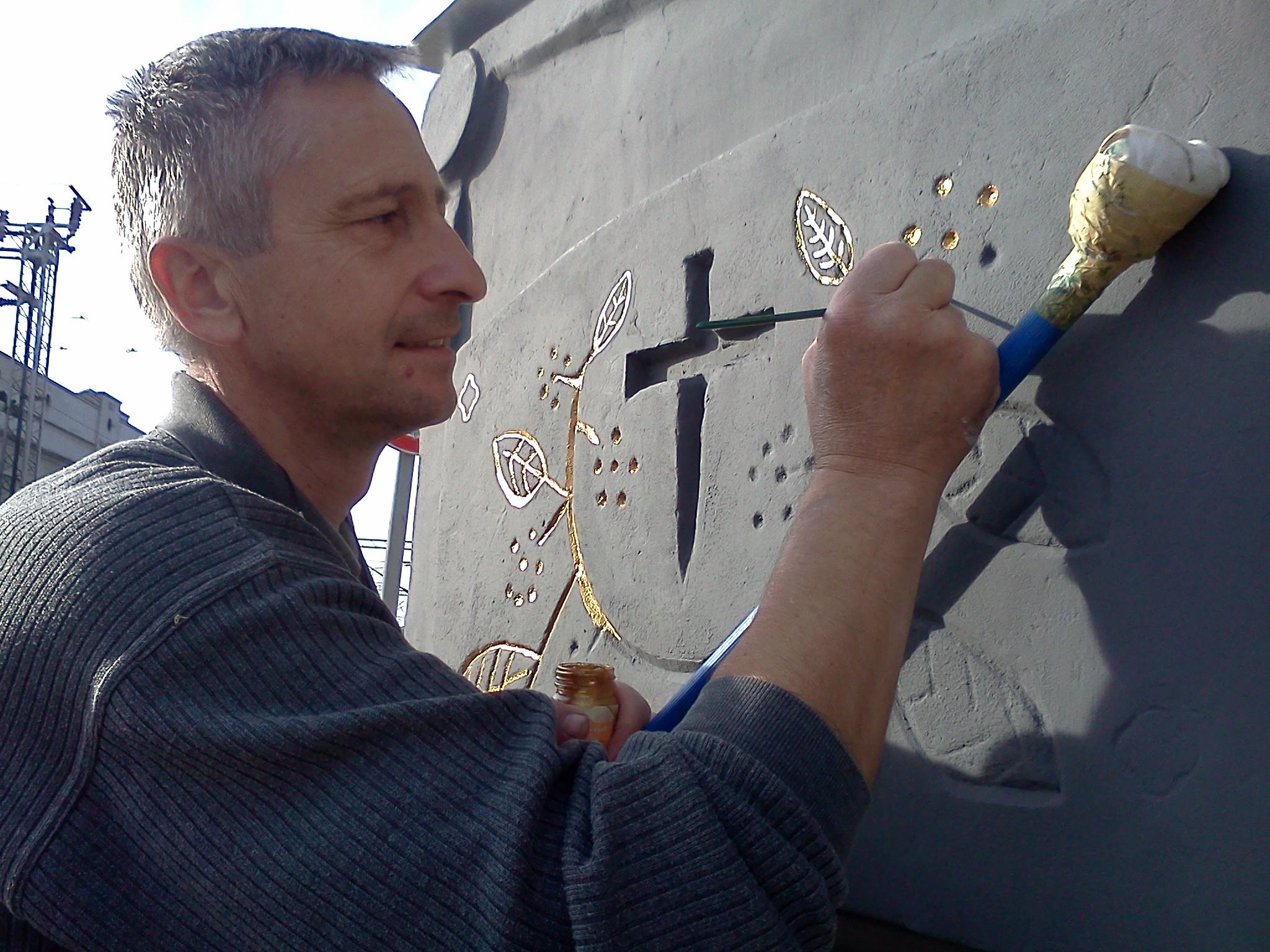 Oslikavanje detalja spomeniku krajputašu